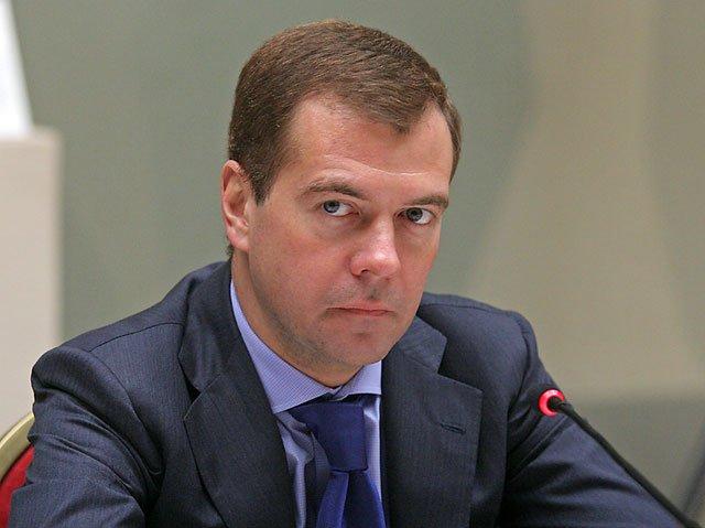 Медведев предлагает перейти на супервалюту. Украинские эксперты против